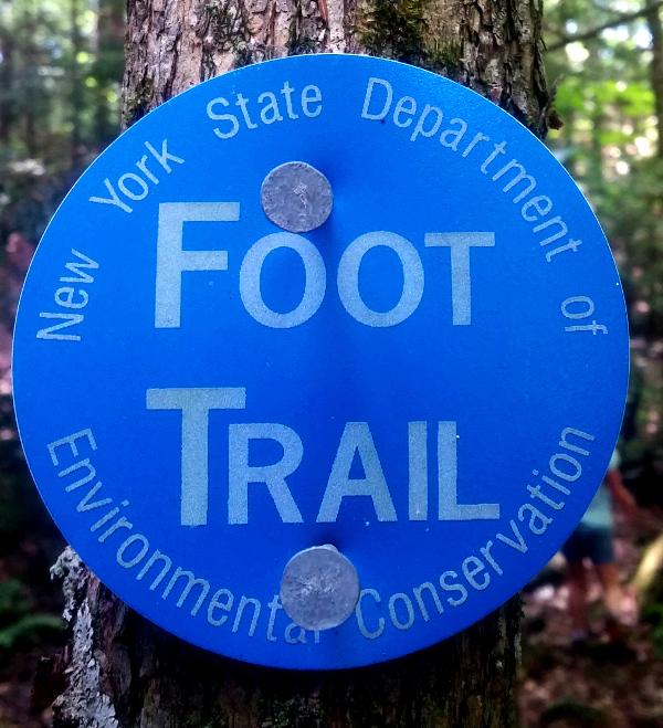 foot trail bleu